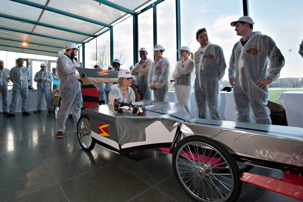 F1 Challenge silver car